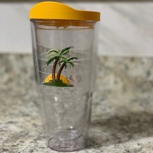 24 oz w/ LID TERVIS TUMBLER W/ PALM TREES